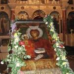 Истинско чудо! Чудотворната икона в Троянският манастир ПРОПЛАКА с ИСТИНСКИ сълзи!