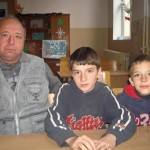 Има нещо гнило! Самотният баща от Деляновци се оказа с още деца!!!