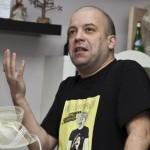 Иво Сиромахов остана сам! Жена му го заряза заради честите му напивания!