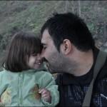 ШОК! Осъдиха на смърт баща, публикувал трогателна снимка с дъщеря си във Фейсбук!